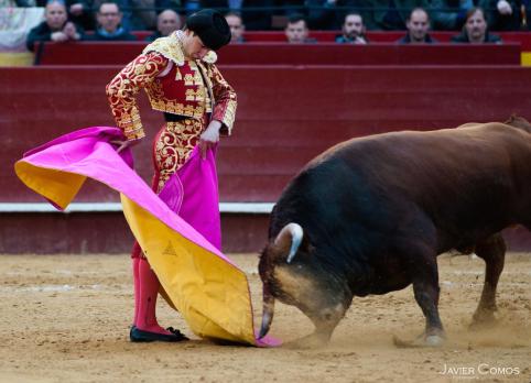 El toreo con el capote de Varea fue para el recuerdo / Foto: Javier Comos